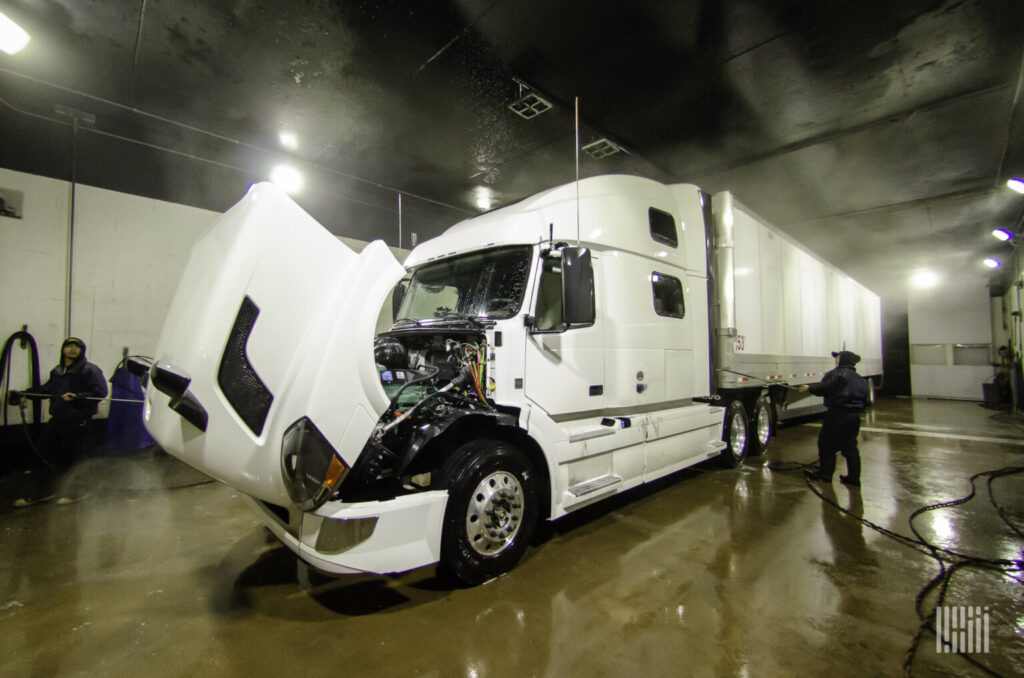 spring_cleaning_truck_1-1536x1017